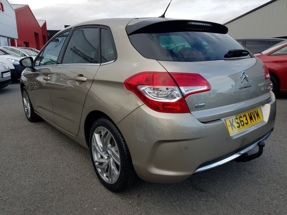 Citroen C4 1 6 E Hdi Airdream Selection 5dr For Sale At J